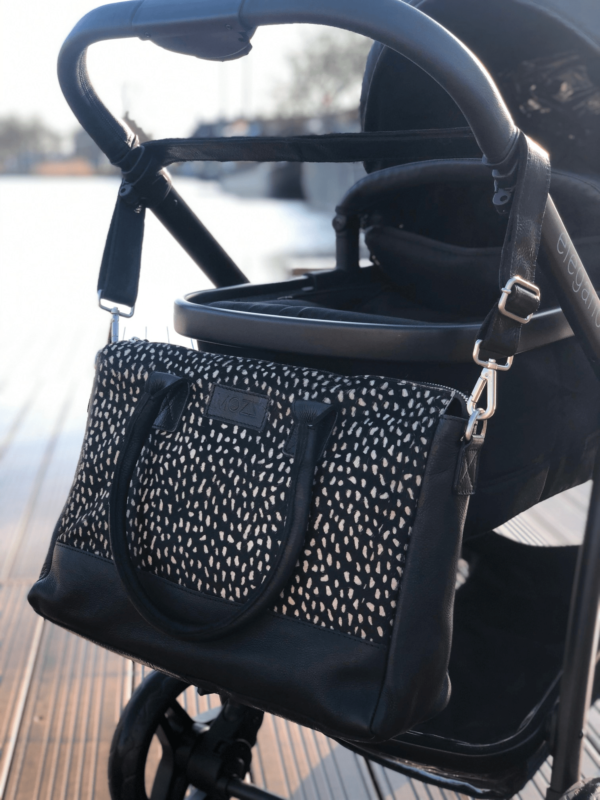 Wickeltasche schwarz dots reverse Mozz Bags